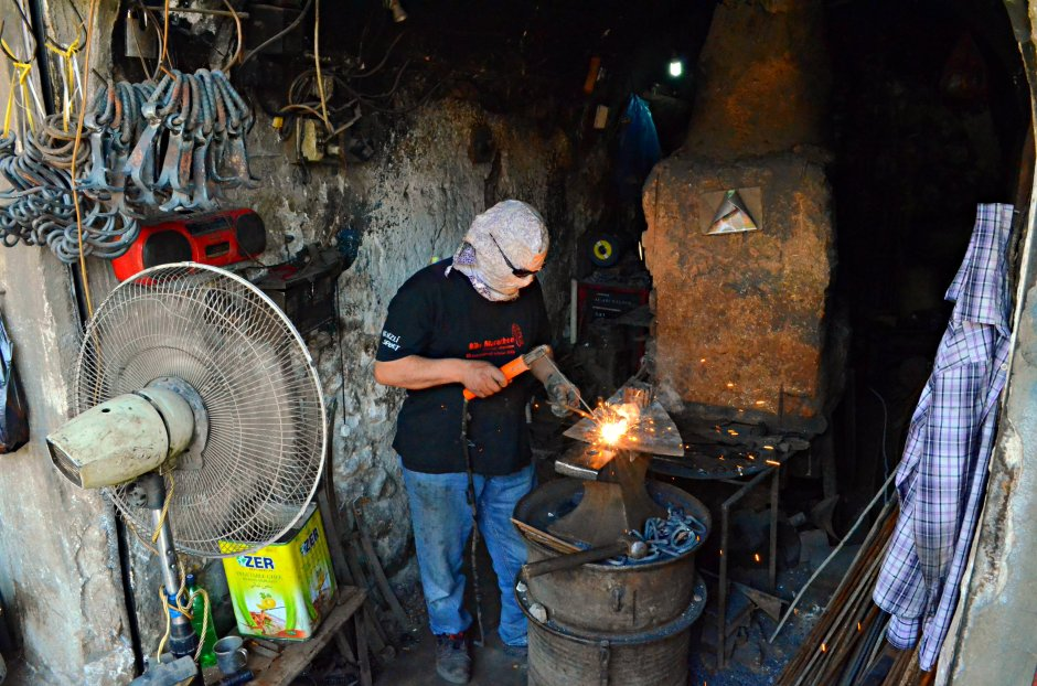 A blacksmith at work in Kirkuk, by Karwan Bashan