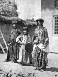 Kurdish Jews in Rawanduz, northern Iraq, 1905. Wiki