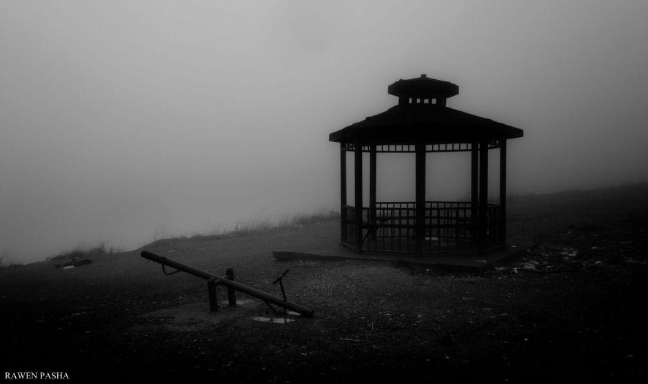 Photo by Rawen Pasha